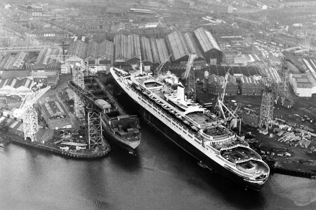 QE2 prepares to leave the fitting yard at John Brown and Co.