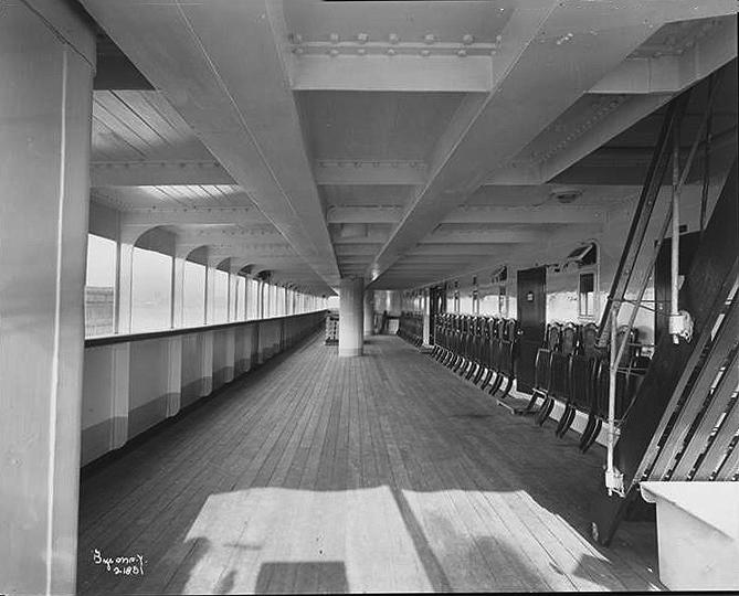 003-Deck