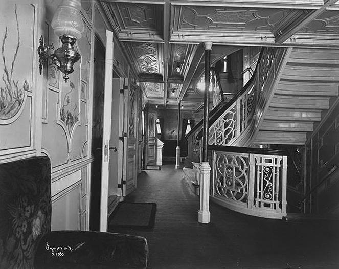 011-Stairway Landing